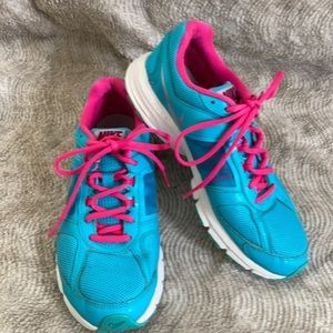 NIKE Air Relentless 3 Athletic Shoes Teal 7.5 EUC